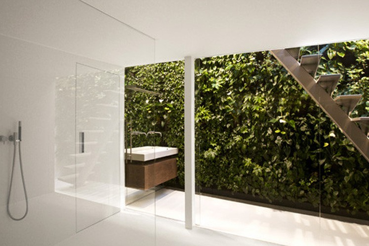 Gerade in Bad- und Wellnessbereichen entfalten Grüne Wände ihre beeindruckende und wohltuende Wirkung.