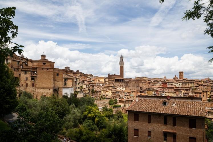 Wie aus dem Malkasten - Siena natur, Siena gebrannt. Die berühmte Erde um Siena ist eines der frühesten Pigmente die benutzt wurden.