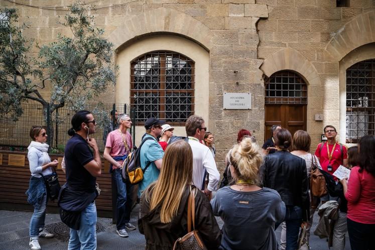 Vor der Accademia dei Georgofili in Florenz