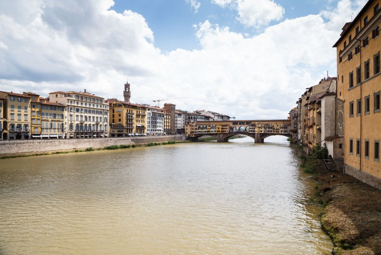 Die Ponte Vecchio über den Arno. Arno freut sich natürlich, dass ein Fluß nach ihm benannt ist ;-)